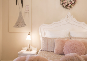 Azalea Cedar Rose Villa Pink Room